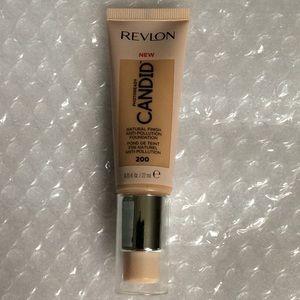 🐶 $4 🐶 Revlon Candid Foundation, 200 Nude
